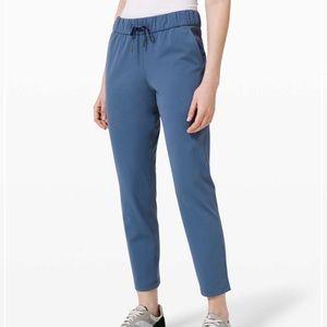 NWT Lululemon On The Fly Pant Code Blue Size 6